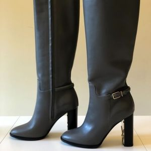 Burberry brown heeled boots with Gold detailing